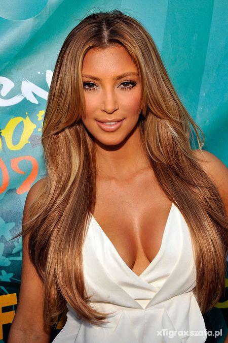 Kim Kardashian blondynka czy brunetka