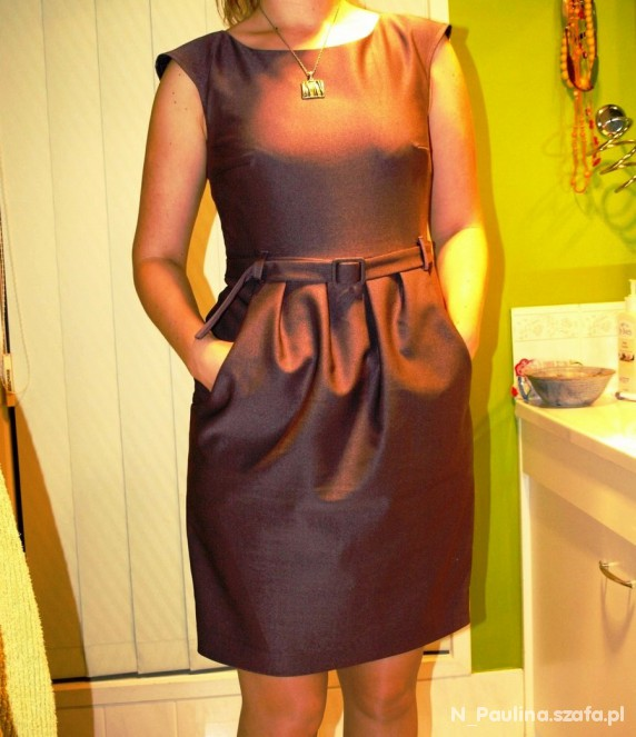 Śliwkowa sukienka