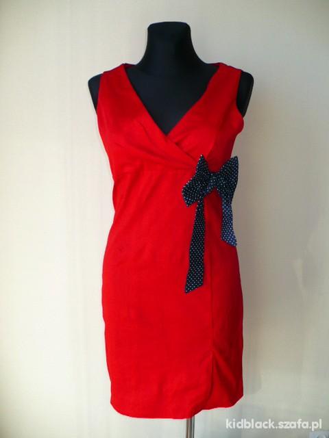 retro czerwona sukienka