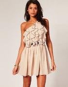 Cudna sukienka Asos