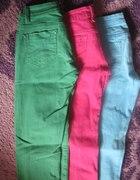 kolorowe spodnie...