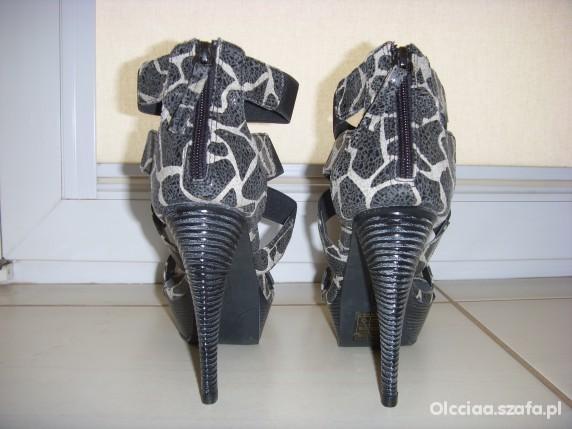 Nowe żyrafki