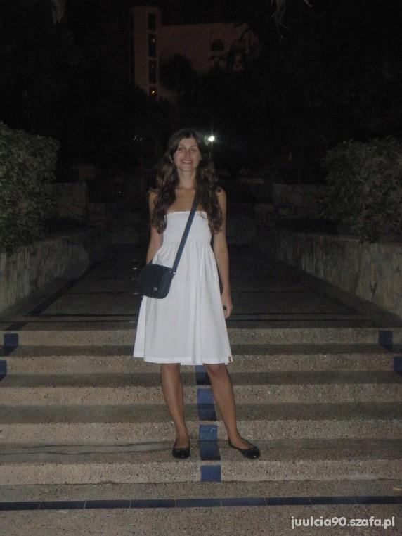 Biała sukienka ESPRIT