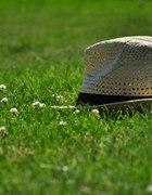 Słomiany kapelusz na lato