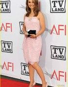 Różowa sukienka Natalie Portman...