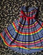 tęczowa sukienka w stylu lat 50