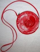 czerwona kropeczka