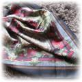 Modna apaszka w stylu retro