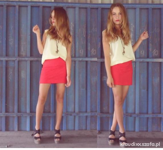 Imprezowe Red skirt