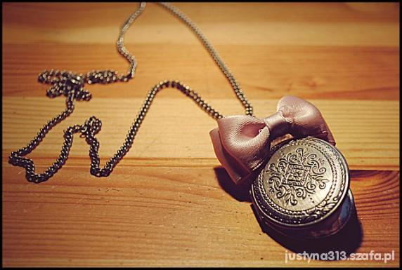 Naszyjniki medalion