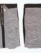 Ołówkowa spódnica...