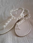 Sandały japonki z perełkami
