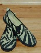 Buty w zebrę H&M