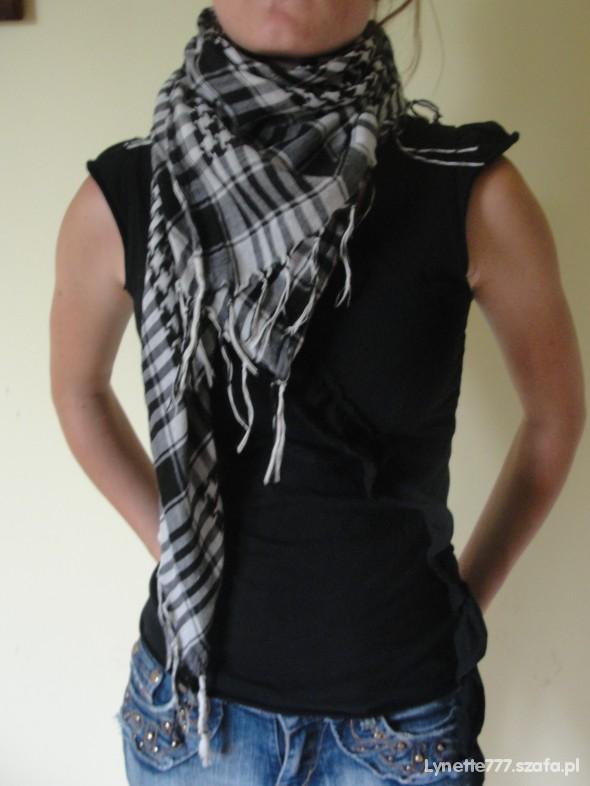 Chusty i apaszki Arafatka kratka czarno biała