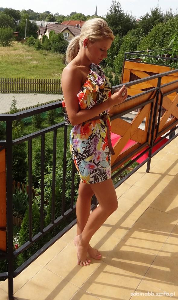 Mój styl moja kolorowa sukienka