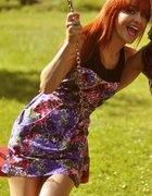 kolorowa sukieneczka...
