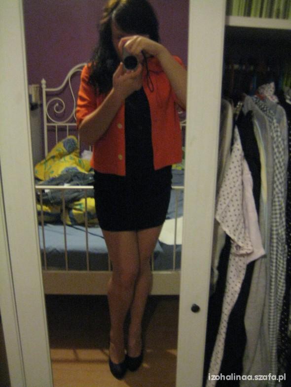 Imprezowe Pomarańczowy żakiet plus mała czarna