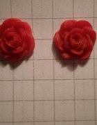 Kolczyki róże średnie czerwone