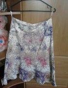 kolorowa spódnica...