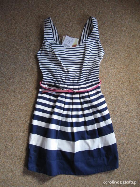 Sukienka w paski Bershka styl marynarski