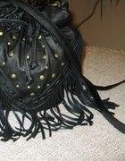 Czarna torebka worek frędzelki cena z wysyłką