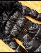 czarny plaszczyk z futerkiem...