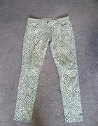 spodnie rurki w panterkę