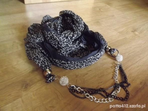 Chusty i apaszki apaszka szalik w panterke szara z łańcuszkiem
