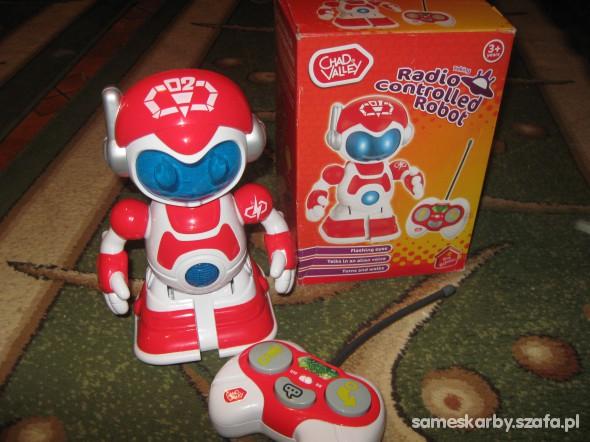 Zabawki NOWY ROBOT CHODZI MOWI SWIECI CHAD VALLEY