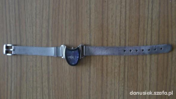 Posrebrzany zegarek Adiadas...