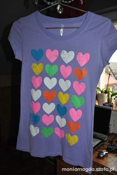 Tshirt w kolorowe serduszka
