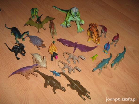 Zabawki FIGURKI DINOZAURÓW