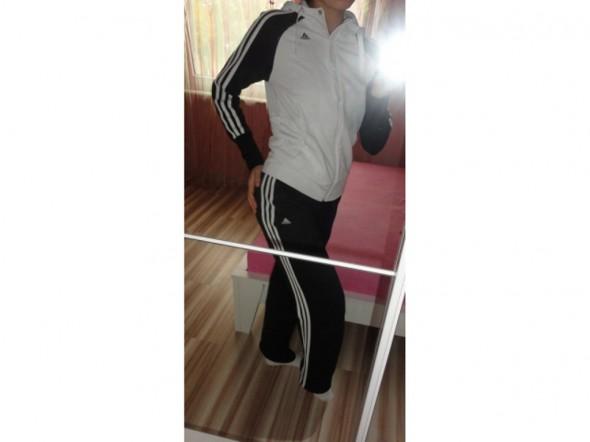 Adidasek Czarno Biały