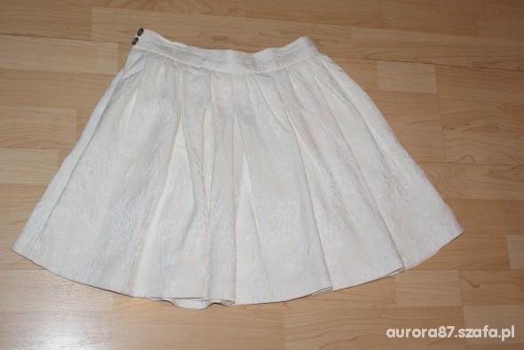 Biała spódniczka Zara