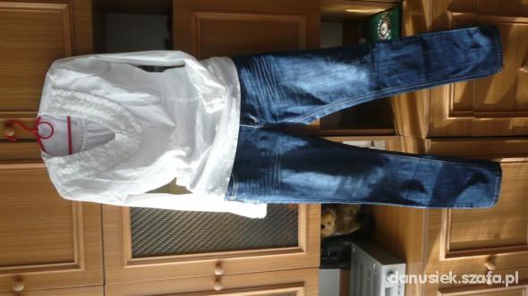 Do pracy Biel i jeanszawsze w modzie