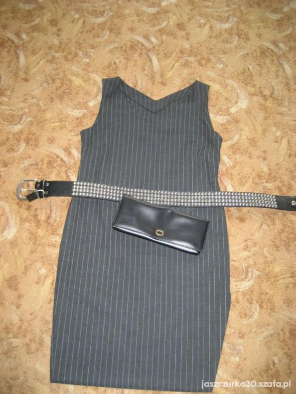 Wieczorowe sukienka ołówkowa w prążek
