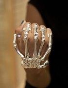 bransoletka ręka