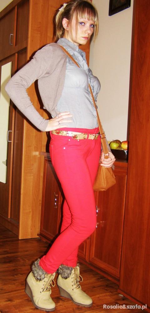 Do szkoły Czerwone spodnie