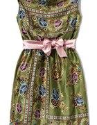 zielona sukienka w kwiaty z satynowym pasem...
