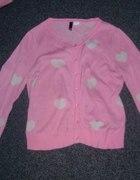 Różowy sweterek w Serduszka HM Słodziak...