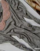 sweterek z kołnierzykiem z perełek