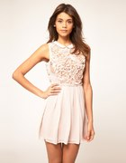 śliczna sukienka ASOS koronka