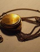 Stary złoty zegarek wisior
