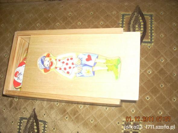 Zabawki Drewniana układanka w pudełku clauny