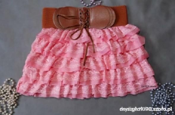 Śłodna różowa falbankowa