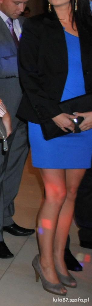 Na specjalne okazje na wesele cudna kobaltowa