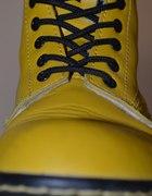 Żółte glany...
