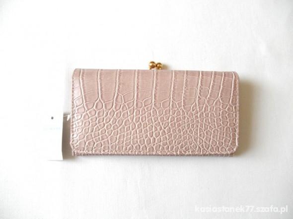 Portfele pojemny portfel blado różowy nowy