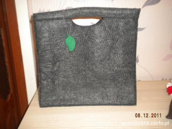 torebka z filcu Garnier...