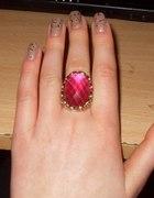 pierścionek fuksja